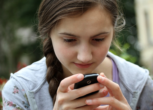 How Hyster Mobile Can Stop Smartphone Addiction among Teens  HighsterMobile.co Blog